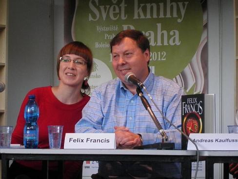 Felix Francis, syn Dicka Francise bude na Světě knihy